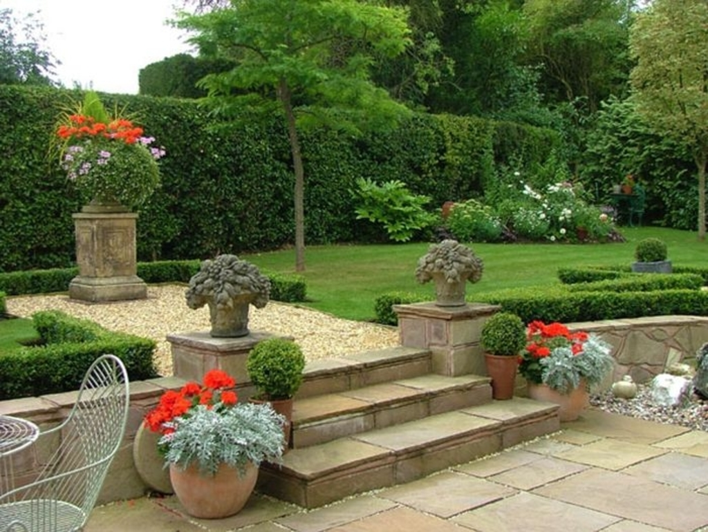 Garden area homedecorsgoa for Small patio design plans